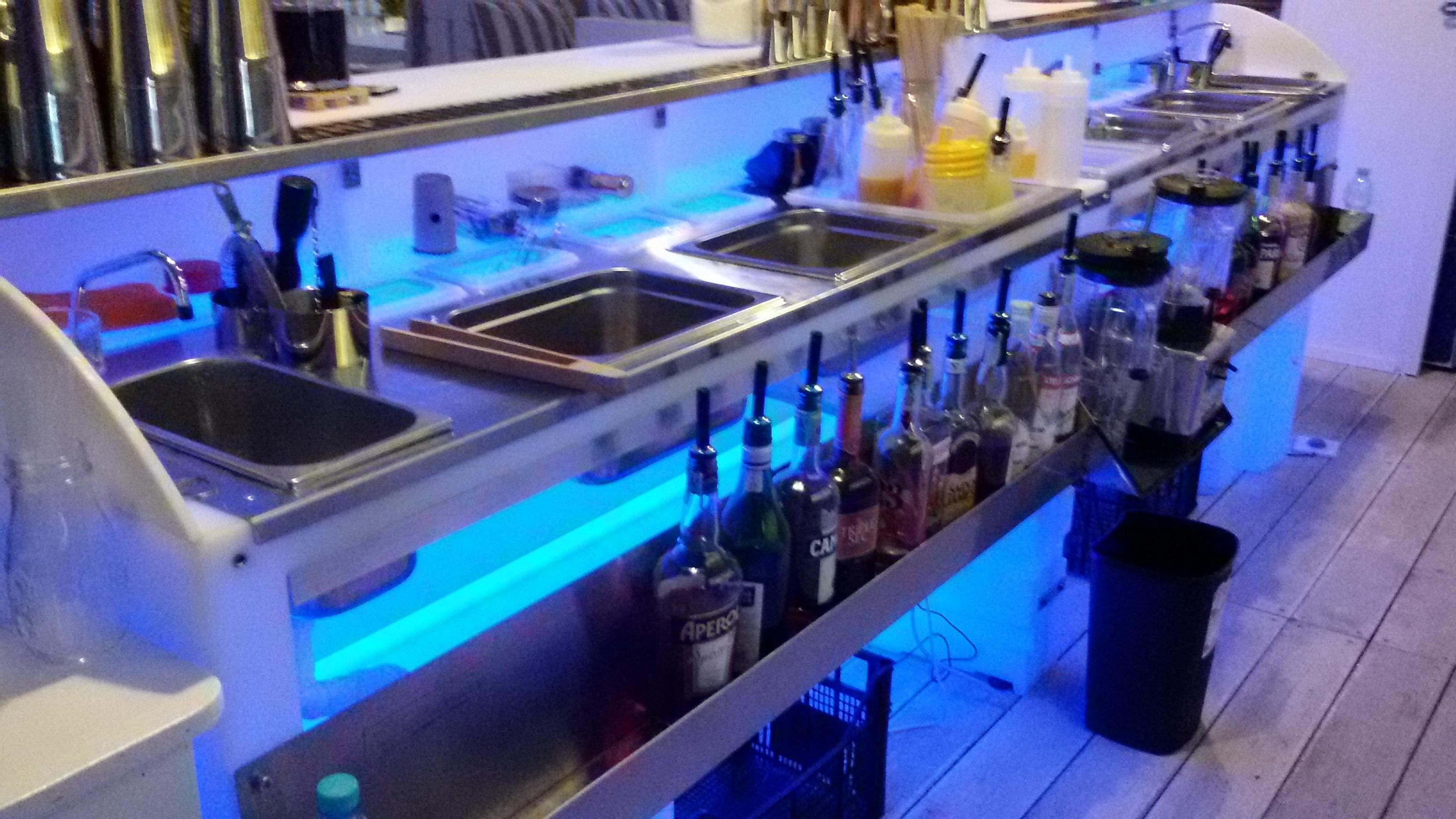 Bancone Bar Da Giardino banchi bar da esterno luminosi in polietilene | bancone bar